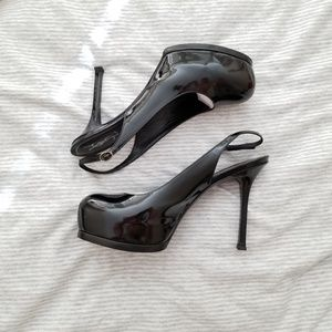 Yves Saint Laurent women's pumps